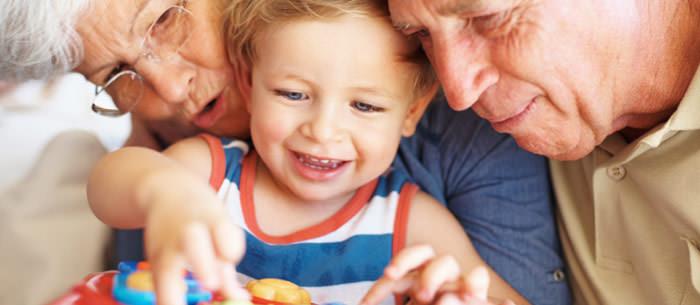 I nonni possono accantonare risparmi per i nipoti grazie alle soluzioni Solar Cloud