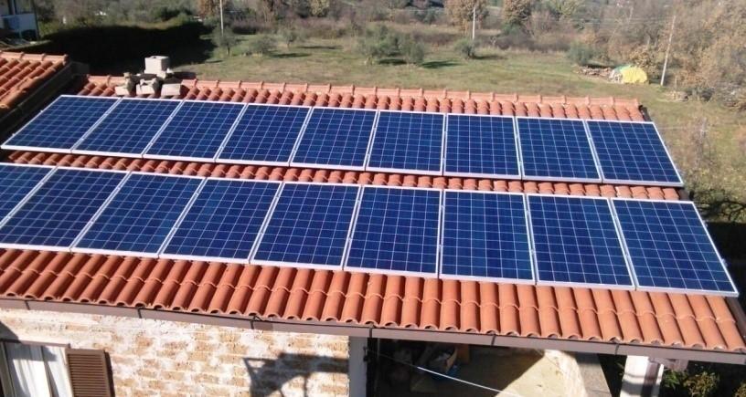 foto di un impianto fotovoltaico semplice da 4,41 kw