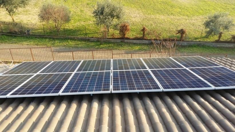 foto di un impianto fotovoltaico da 6 kw realizzato in kit fotovoltaico semplice